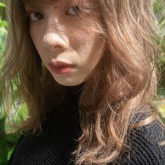 ミディアム ミルクティーグレージュ ブラウンベージュ ナチュラル ヘアスタイルや髪型の写真・画像