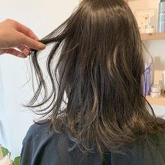 大人可愛い グレージュ 無造作ヘア フェミニン ヘアスタイルや髪型の写真・画像