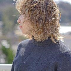 大人ミディアム シルクベージュ ナチュラル ウルフパーマヘア ヘアスタイルや髪型の写真・画像
