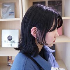 モード ハンサム ナチュラルウルフ ミディアム ヘアスタイルや髪型の写真・画像