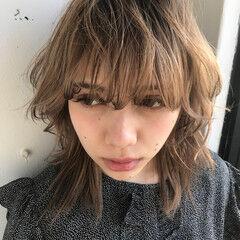 ウルフカット デート マッシュ ミディアム ヘアスタイルや髪型の写真・画像