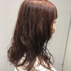 ピンクブラウン ベリーピンク おしゃれ ミディアム ヘアスタイルや髪型の写真・画像