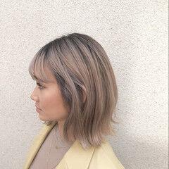 ハイライト ナチュラル ハイトーンボブ バレイヤージュ ヘアスタイルや髪型の写真・画像