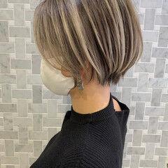 ハイライト ショートボブ ショート ウルフカット ヘアスタイルや髪型の写真・画像