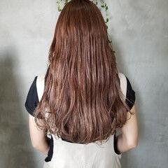 ナチュラル ロング イルミナカラー グラデーションカラー ヘアスタイルや髪型の写真・画像