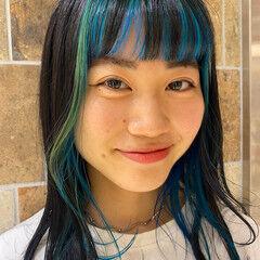 インナーカラー ロング インナーブルー ハイトーン ヘアスタイルや髪型の写真・画像