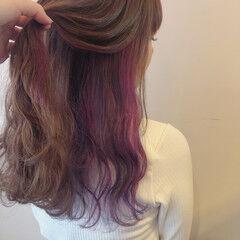 フェミニン セミロング インナーカラー パステルカラー ヘアスタイルや髪型の写真・画像