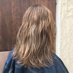 グレージュ 艶髪 透明感 ミディアム