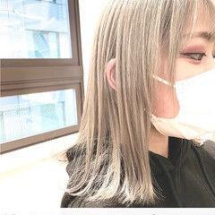 フェミニン ブロンドカラー ホワイトアッシュ プラチナブロンド ヘアスタイルや髪型の写真・画像