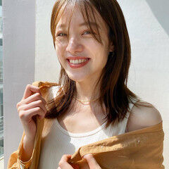 透明感カラー ミディアムヘアー 鎖骨ミディアム ナチュラル ヘアスタイルや髪型の写真・画像
