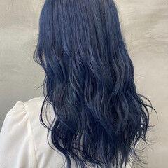 ゆるウェーブ ネイビーアッシュ セミロング ネイビーブルー ヘアスタイルや髪型の写真・画像