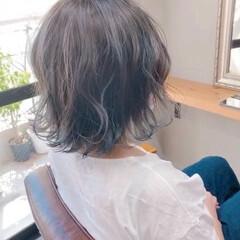 エメラルドグリーンカラー ボブ ミントアッシュ アッシュグレー ヘアスタイルや髪型の写真・画像