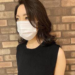 透明感 アディクシーカラー ナチュラル ミディアムヘアー ヘアスタイルや髪型の写真・画像