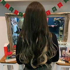 #インナーカラー インナーカラーホワイト インナーカラーシルバー ナチュラル ヘアスタイルや髪型の写真・画像