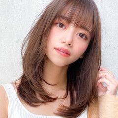 レイヤーカット セミロング レイヤー コンサバ ヘアスタイルや髪型の写真・画像