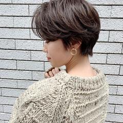 横顔美人 ショート ハンサムショート ナチュラル ヘアスタイルや髪型の写真・画像