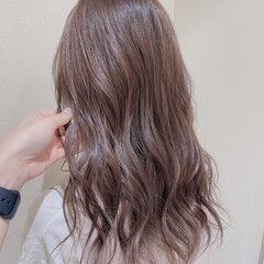 ハイトーン ショコラブラウン 極細ハイライト ミルクティーベージュ ヘアスタイルや髪型の写真・画像