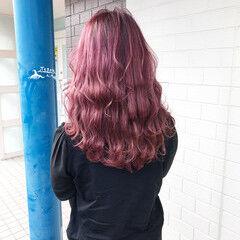 レッドカラー ミディアム チェリーレッド グラデーション ヘアスタイルや髪型の写真・画像
