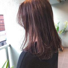 ベージュカラー イルミナカラー ナチュラル シルバーアッシュ ヘアスタイルや髪型の写真・画像