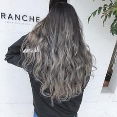 ホワイトシルバー ブリーチカラー バレイヤージュ ホワイトグラデーション ヘアスタイルや髪型の写真・画像