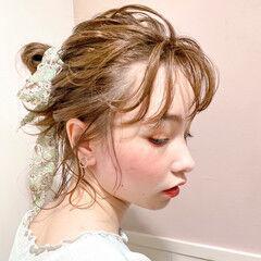 ミルクティーベージュ ミディアム ヘアアレンジ スカーフアレンジ ヘアスタイルや髪型の写真・画像
