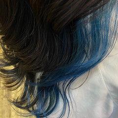 ミディアム ガーリー ブルー インナーカラー ヘアスタイルや髪型の写真・画像