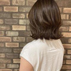ナチュラル 透明感 外ハネ 大人ミディアム ヘアスタイルや髪型の写真・画像