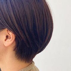 ショートヘア ナチュラル ボルドー ボルドーヘア ヘアスタイルや髪型の写真・画像
