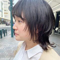 ミディアム ベージュ ニュアンスウルフ ナチュラル ヘアスタイルや髪型の写真・画像