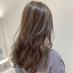 ストリート ホワイトハイライト ロング 極細ハイライト ヘアスタイルや髪型の写真・画像