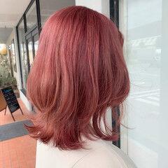 ブリーチ ピンク ガーリー コーラルピンク ヘアスタイルや髪型の写真・画像