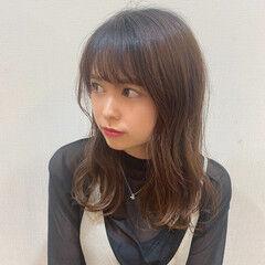 小顔ヘア 後れ毛 セミロング 小顔 ヘアスタイルや髪型の写真・画像