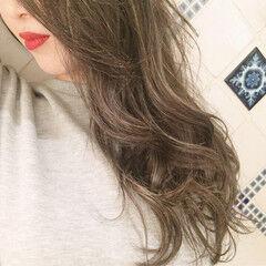 簡単ヘアアレンジ オフィス ナチュラル ロング ヘアスタイルや髪型の写真・画像