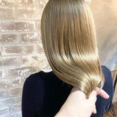 ハイライト ロング ブロンド ブリーチ ヘアスタイルや髪型の写真・画像