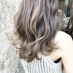 ラフ アッシュグレージュ ラベンダーアッシュ ロング ヘアスタイルや髪型の写真・画像