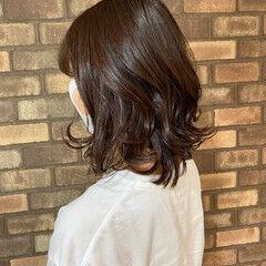 コーラルピンク ミディアム 透明感 ナチュラル ヘアスタイルや髪型の写真・画像