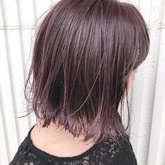 グレー ピンク ダブルカラー 切りっぱなし ヘアスタイルや髪型の写真・画像