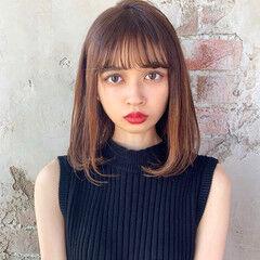 前髪あり フェザーバング 鎖骨ミディアム ナチュラル ヘアスタイルや髪型の写真・画像