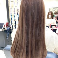 ブリーチオンカラー ナチュラルベージュ セミロング ナチュラル ヘアスタイルや髪型の写真・画像