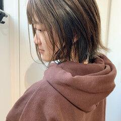 グレーアッシュ インナーカラー パープルアッシュ アッシュグレージュ ヘアスタイルや髪型の写真・画像