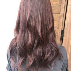 ピンクベージュ セミロング フェミニン ピンクブラウン ヘアスタイルや髪型の写真・画像
