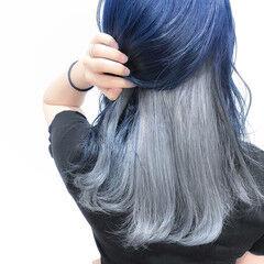 シルバーグレイ インナーカラー ネイビー ミディアム ヘアスタイルや髪型の写真・画像