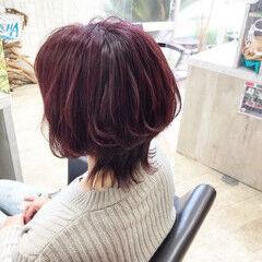 ナチュラル ショート ピンク チェリーレッド ヘアスタイルや髪型の写真・画像