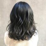 ミディアム デート 透明感カラー アンニュイほつれヘア