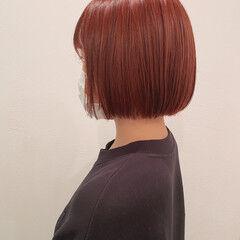 ミニボブ ピンク 切りっぱなしボブ 秋冬スタイル ヘアスタイルや髪型の写真・画像