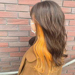 ロング オレンジ ガーリー インナーカラーオレンジ ヘアスタイルや髪型の写真・画像