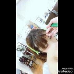 セミロング ナチュラル 前髪パッツン 重めバング ヘアスタイルや髪型の写真・画像