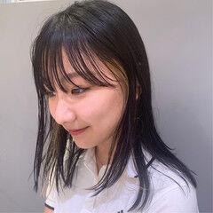 インナーカラー 前髪パッツン モード インナーカラーオレンジ ヘアスタイルや髪型の写真・画像