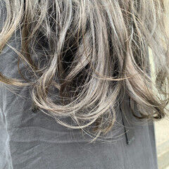 モード ロング グレー グレージュ ヘアスタイルや髪型の写真・画像