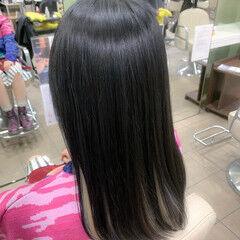 ホワイトカラー ロング デザインカラー ハイトーンカラー ヘアスタイルや髪型の写真・画像